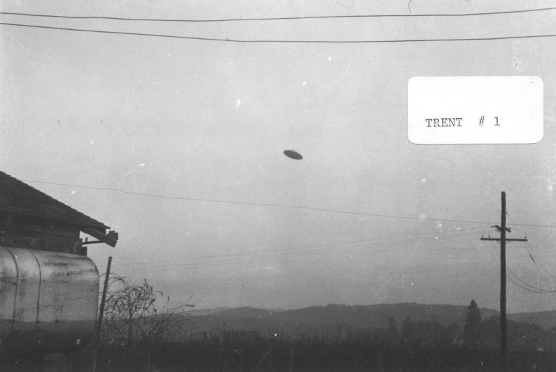 Real UFO photo from McMinnville Oregon taken in 1950